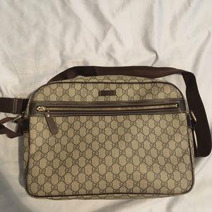41e10c4643b Gucci Bags - Authentic Gucci messenger bag